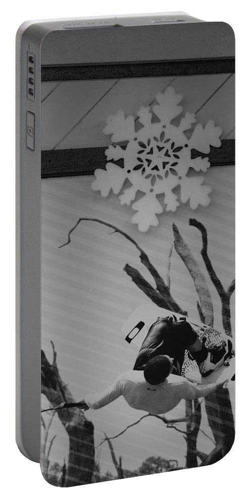 Snow Flake Portable Battery Charger featuring the photograph Wall Surfing With A Snow Flake by Rob Hans