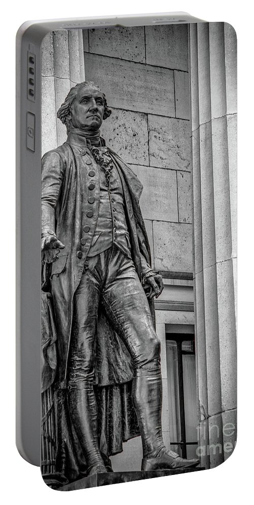 American Flag Portable Battery Charger featuring the photograph Washington Statue - Federal Hall #3 by Julian Starks