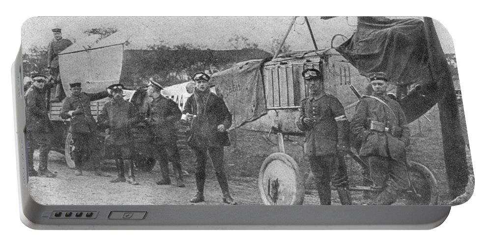 1914 Portable Battery Charger featuring the photograph World War I: Aviators, 1914 by Granger