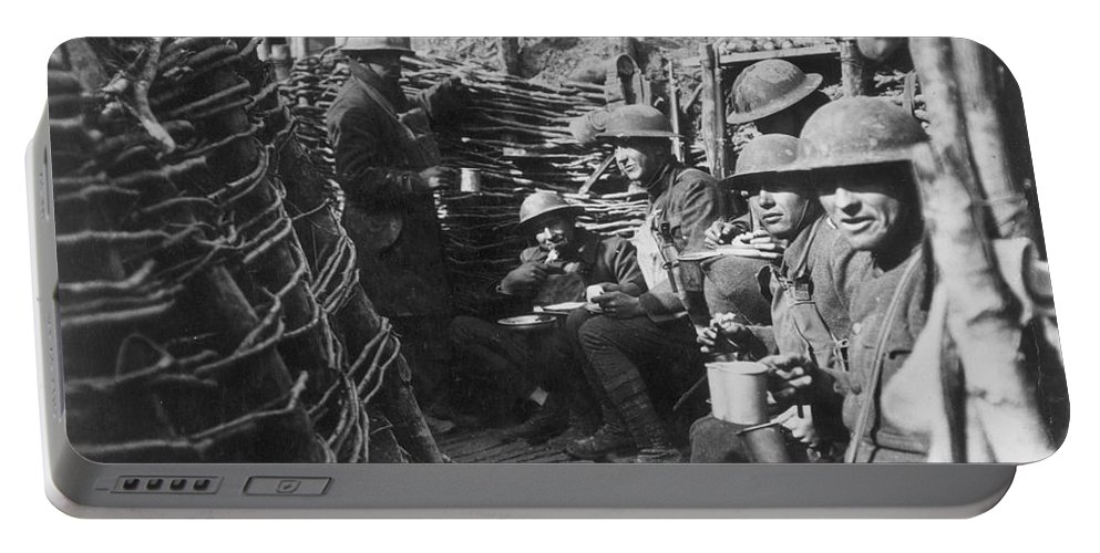 1918 Portable Battery Charger featuring the photograph World War I: U.s. Troops by Granger