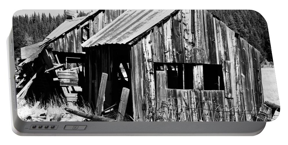 Cabins Portable Battery Charger featuring the photograph Wreck And Ruin by Mick Burkey