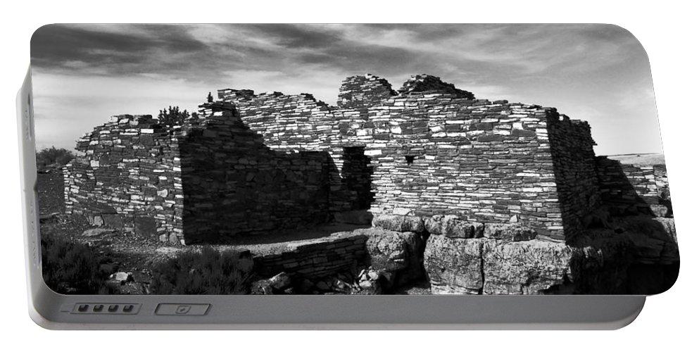 Wupatki National Monument Arizona Portable Battery Charger featuring the photograph Wupatki by David Lee Thompson