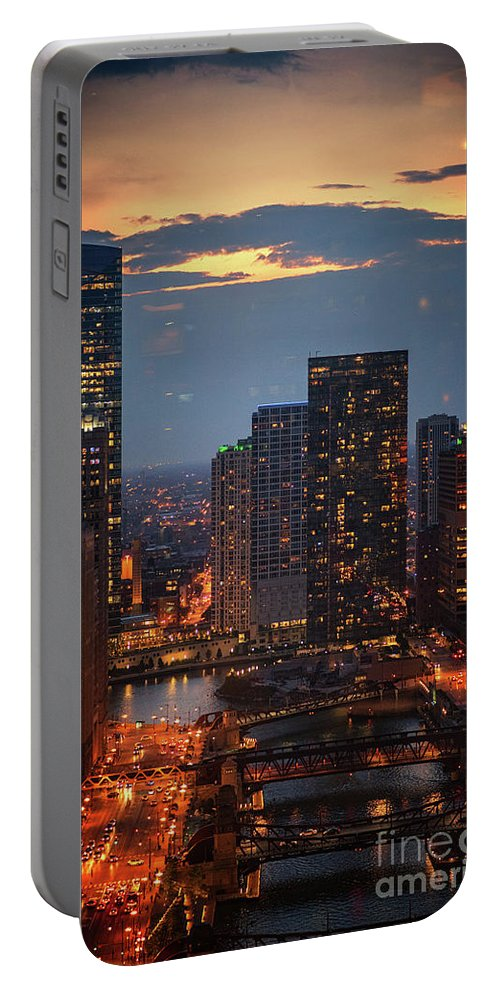 Chicago Portable Battery Charger featuring the photograph Chicago Sunset by Bruno Passigatti