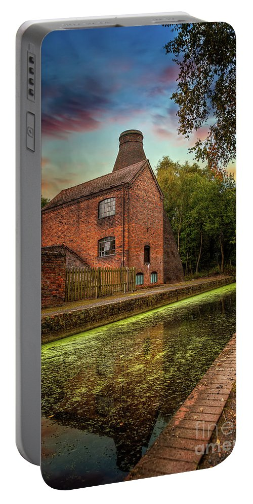 Bottle Kilns Portable Battery Charger featuring the photograph Coalport Bottle Kiln Sunset by Adrian Evans