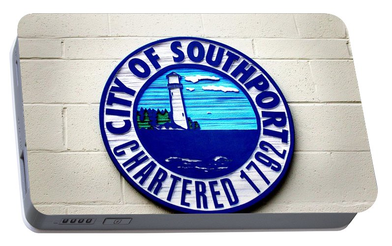 City Portable Battery Charger featuring the photograph Fun Place To Visit by Cynthia Guinn