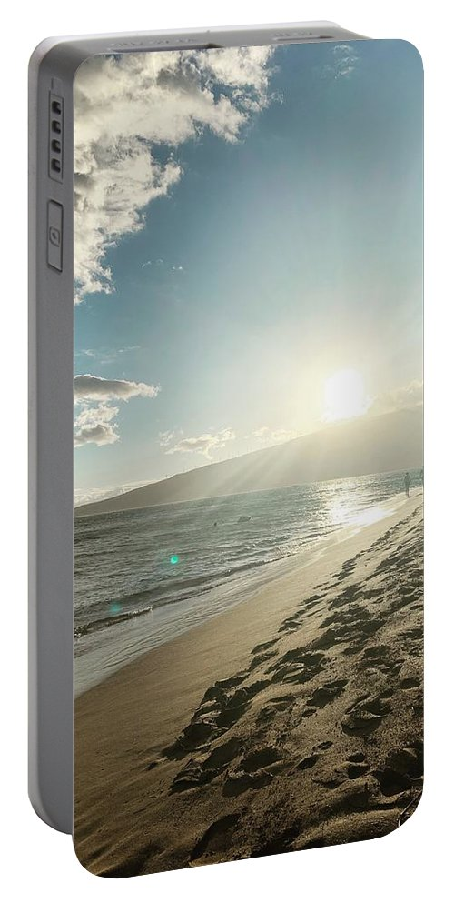 Hawaii Portable Battery Charger featuring the photograph Maui by Kristin Rogers