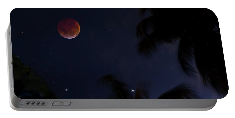 Lunar Eclipse Portable Battery Charger featuring the photograph Super Blood Wolf Moon by Mark Andrew Thomas