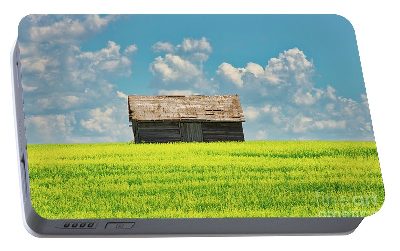 Farm Portable Battery Charger featuring the photograph Prairie Barn by Ian McGregor
