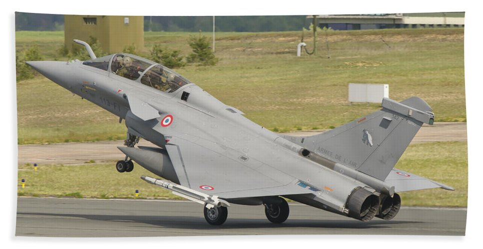 Horizontal Beach Towel featuring the photograph A French Air Force Rafale Jet by Giovanni Colla