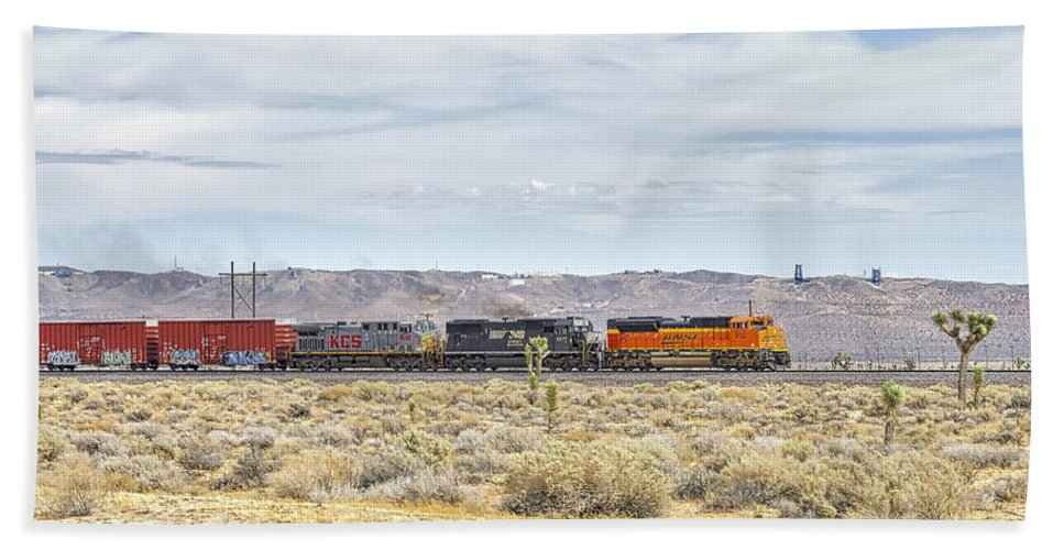 Bnsf Beach Towel featuring the photograph Bnsf 9112 Westbound From Boron by Jim Thompson
