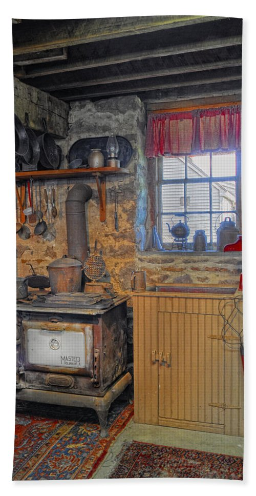 Kitchen Beach Towel featuring the photograph Country Kitchen by Dave Mills