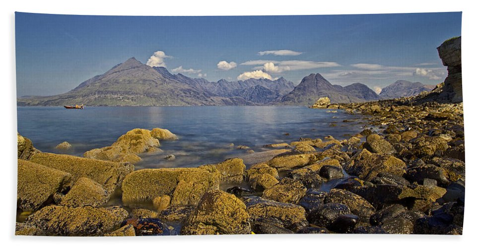 Elgol Beach Towel featuring the photograph Elgol by David Pringle