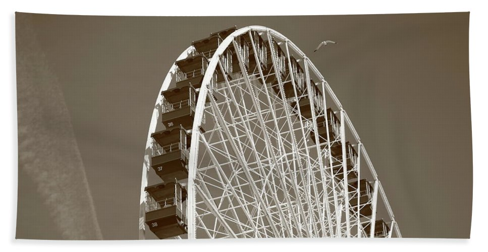 America Beach Towel featuring the photograph Ferris Wheel by Frank Romeo