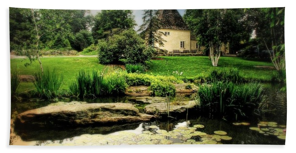 Landscape Beach Towel featuring the photograph Stone Crop Gardens by Diana Angstadt