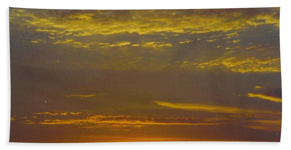 Gold Sunset Beach Towel featuring the photograph Sky Scape by Robert Floyd