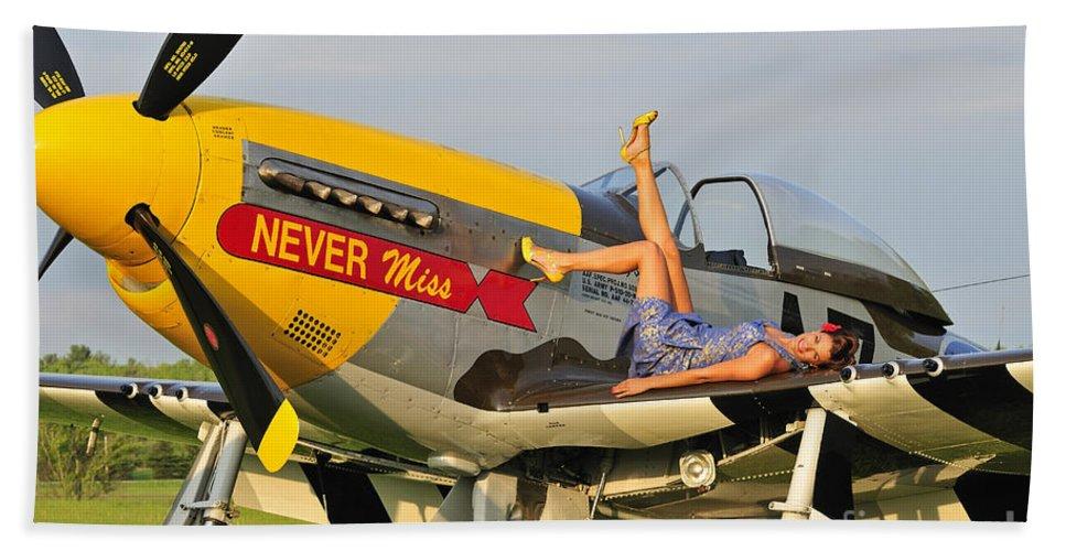 P 51 mustang pin up girl