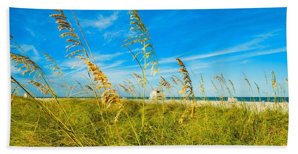 Crandon Park Beach Beach Towel featuring the photograph Crandon Park Beach by Raul Rodriguez