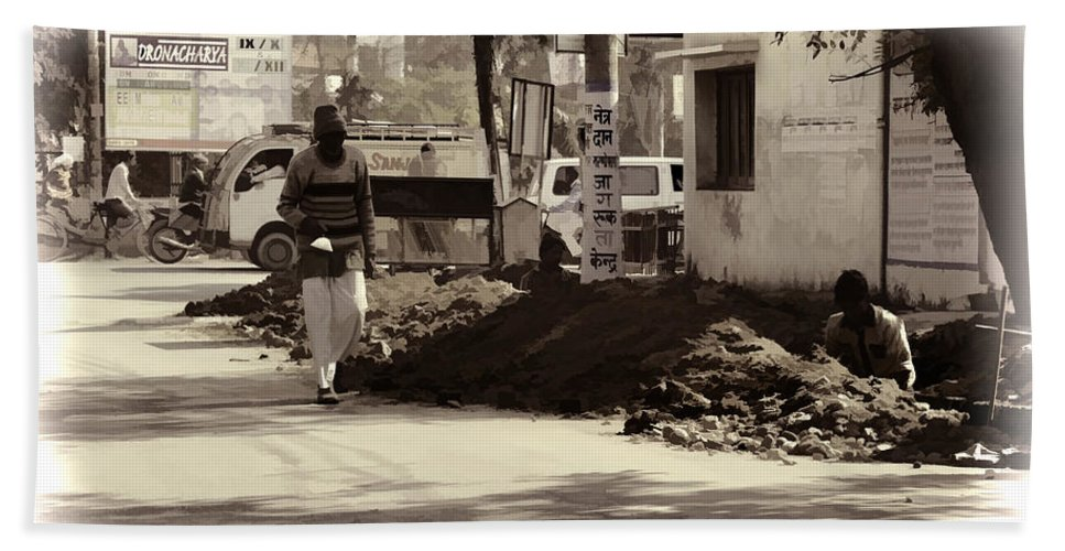 Banner Beach Towel featuring the photograph Digging A Ditch At The Side Of A Road In Roorkee by Ashish Agarwal