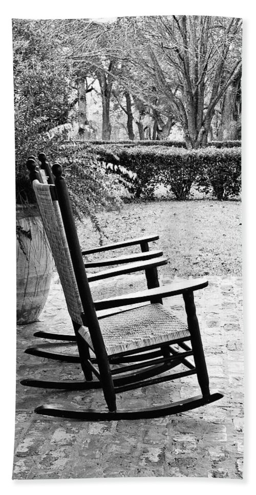 Rocking Chair Beach Towel featuring the photograph Front Porch Rockers - Bw by Scott Pellegrin