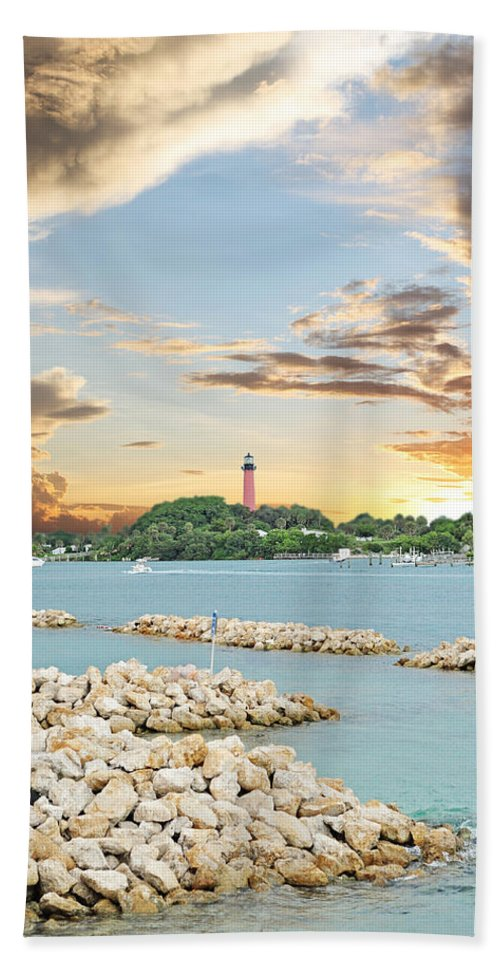 Jupiter Beach Towel featuring the photograph Jupiter Lighthouse by Kristy Smith