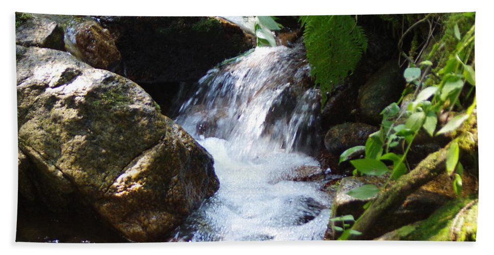 Water Falls Beach Towel featuring the photograph Lower Granite Falls by Mike Wheeler