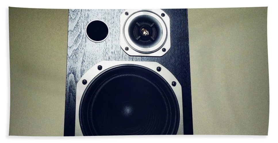 Acoustic Beach Towel featuring the photograph Speaker by Les Cunliffe