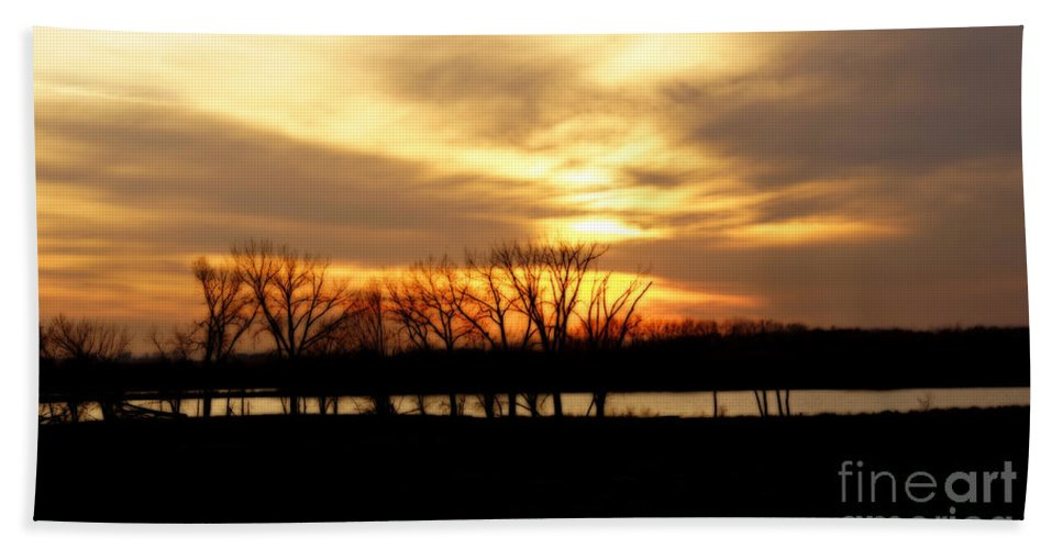 Nature Beach Towel featuring the photograph Sunset On The Prairie by Lori Tordsen