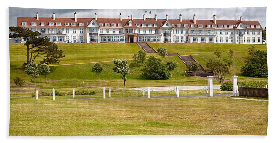 Resort Beach Towel featuring the photograph Turnberry Resort by Eunice Gibb