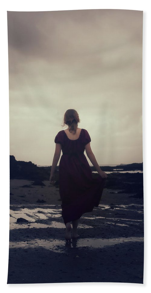 Girl Beach Towel featuring the photograph Low Tide by Joana Kruse