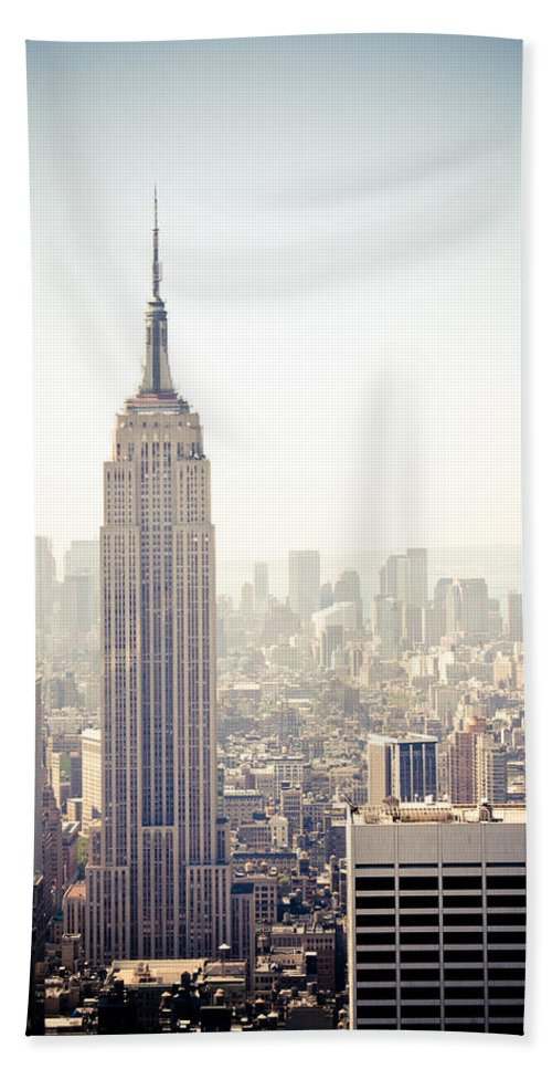 Esb Beach Towel featuring the photograph New York City - Empire State Building by Thomas Richter