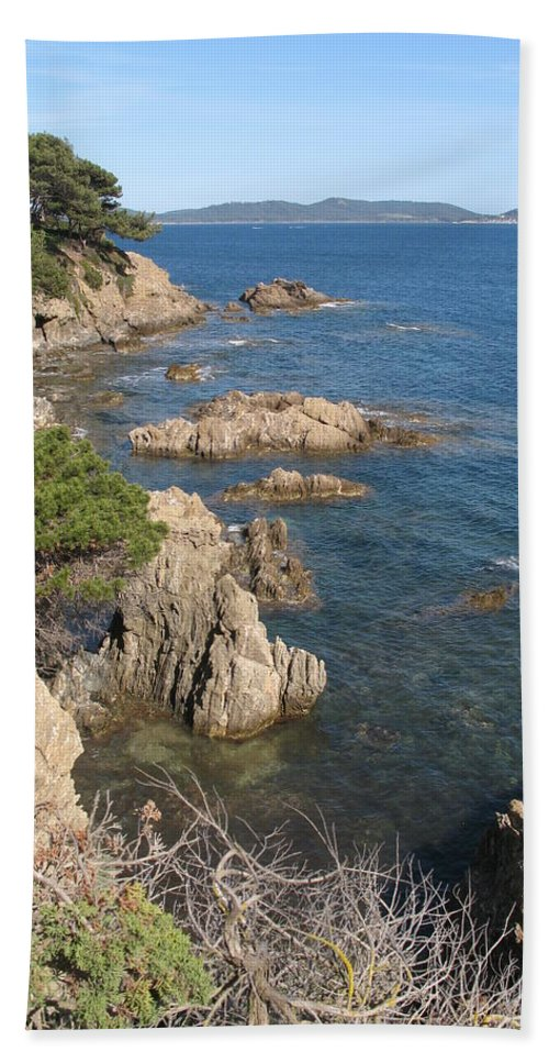 Peninsula Beach Towel featuring the photograph Peninsula Gien by Christiane Schulze Art And Photography