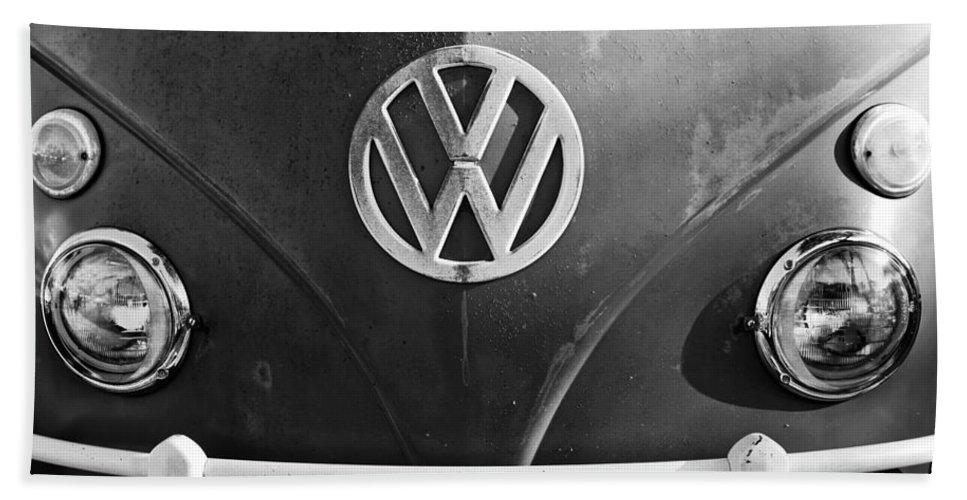 Volkswagen Vw Bus Front Emblem Beach Towel featuring the photograph Volkswagen Vw Bus Front Emblem by Jill Reger