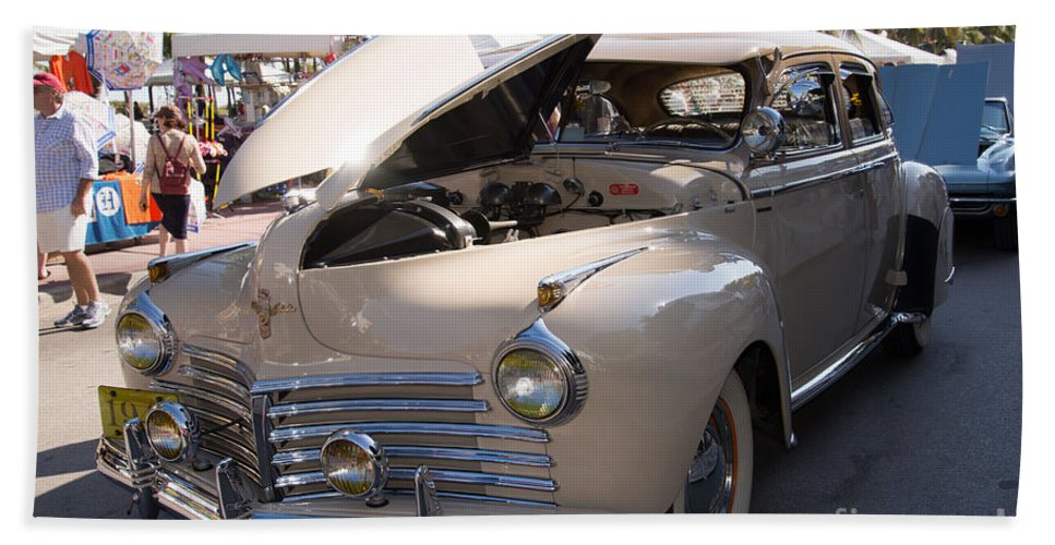 Cars Beach Towel featuring the digital art Chrysler by Carol Ailles