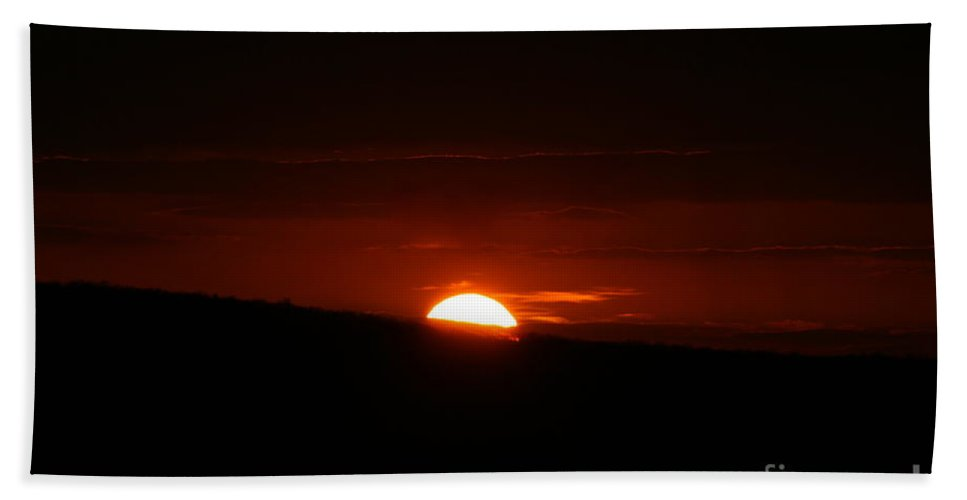 Sunset Beach Towel featuring the photograph Sun Down by Neal Eslinger
