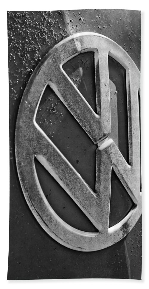 Volkswagen Vw Bus Front Emblem Beach Towel featuring the photograph Volkswagen Vw Bus Front Emblem by Jill Reger