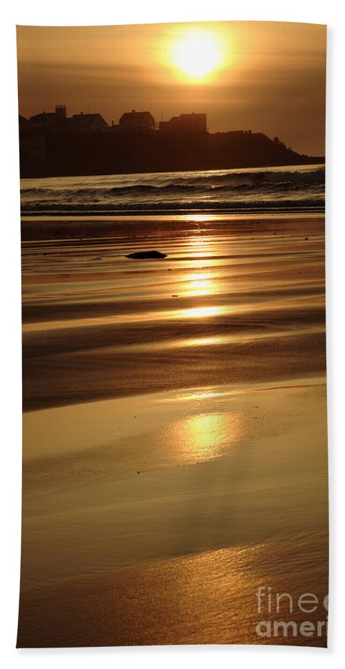 Atlantic Ocean Beach Towel featuring the photograph Hampton Beach New Hampshire Usa by Erin Paul Donovan