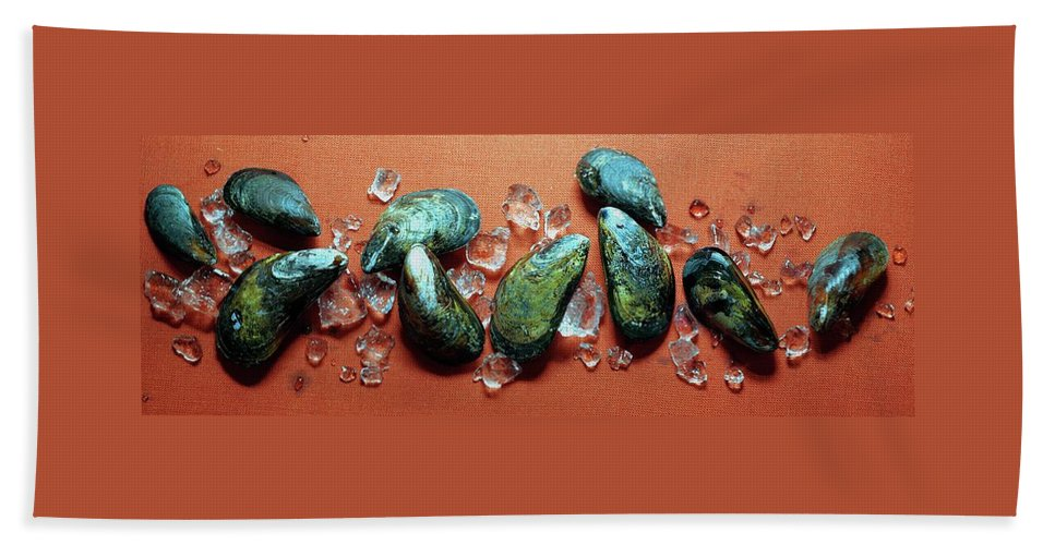 Cooking Beach Towel featuring the photograph A Cluster Of Mussels by Romulo Yanes