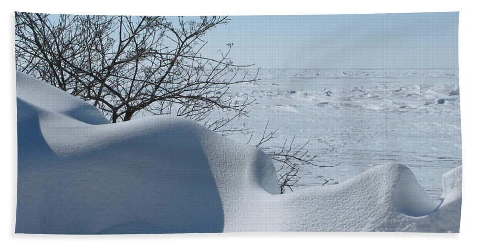 Winter Beach Sheet featuring the photograph A Gentle Beauty by Ann Horn