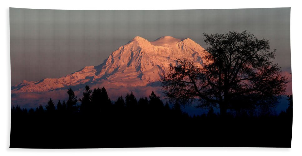 Landscape Beach Towel featuring the photograph A Majestic Goodnight by Rory Sagner