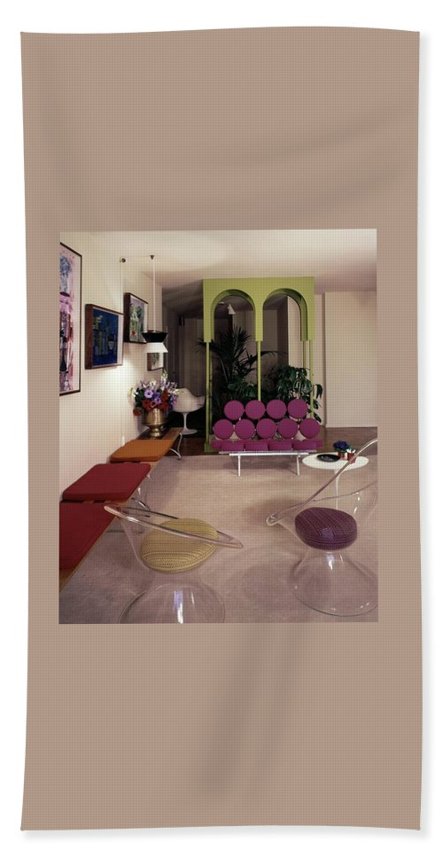 Eugene Tanawa Beach Towel featuring the photograph A Retro Living Room by Tom Leonard