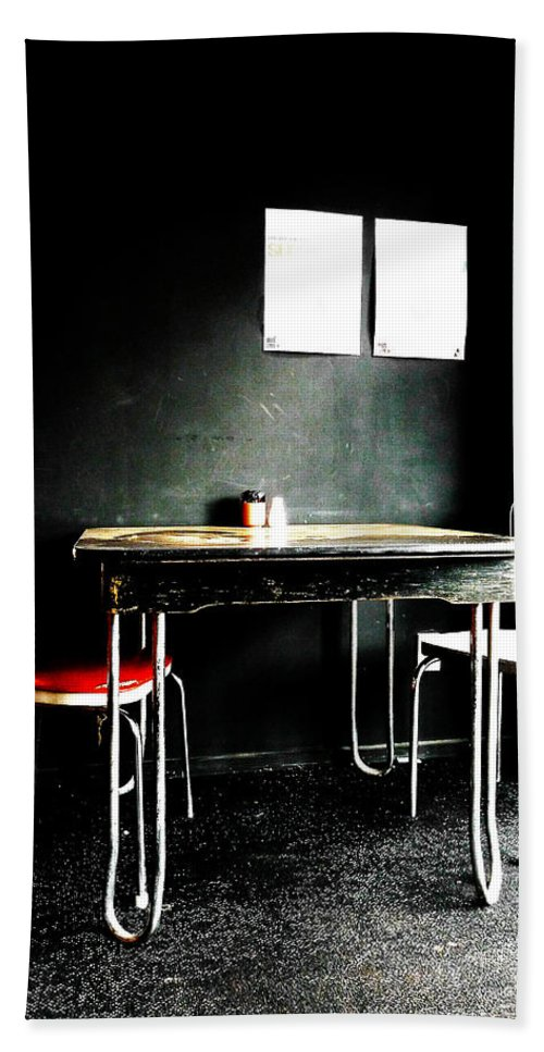 Beat Street Beach Towel featuring the photograph A Table For Two by Steve Taylor