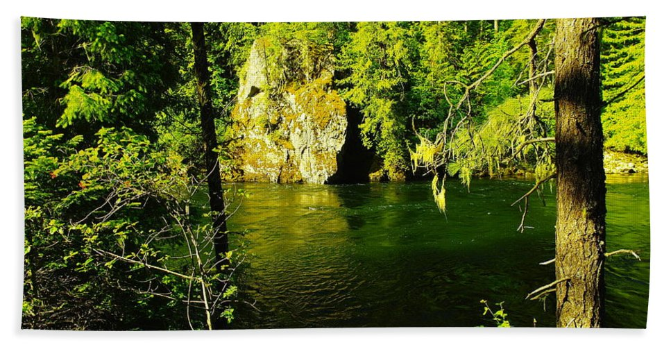 Rivers Beach Towel featuring the photograph A View Of The Seleway River by Jeff Swan