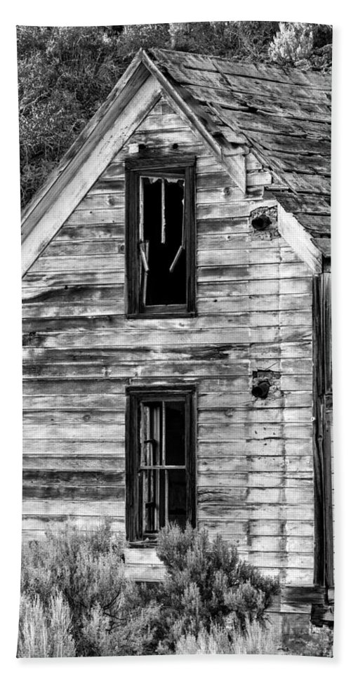 2013 Beach Towel featuring the photograph Abandoned Farmhouse - Alstown - Washington - May 2013 by Steve G Bisig