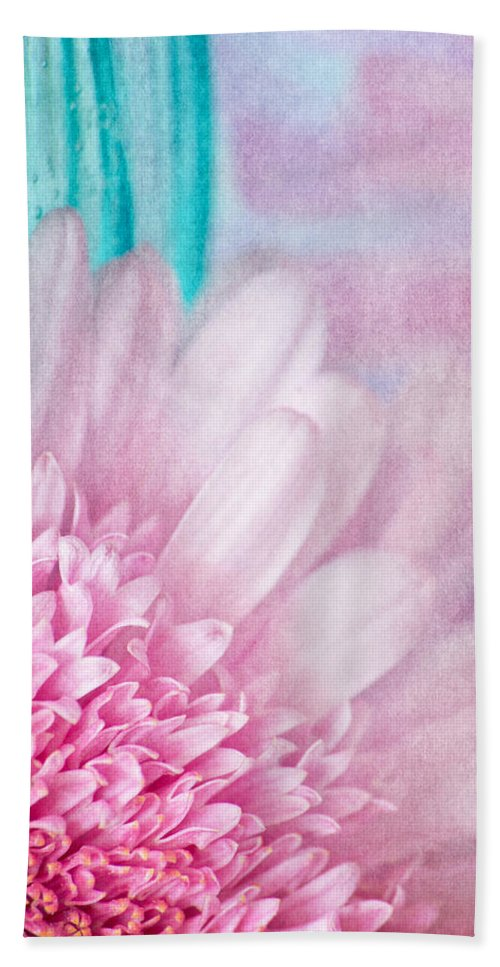 Floral Beach Towel featuring the photograph Abstract Daisy by Dale Kincaid