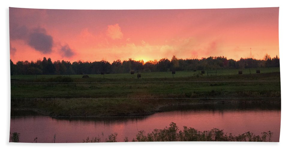 Sunset Beach Towel featuring the photograph Almost Down by Linda Kerkau