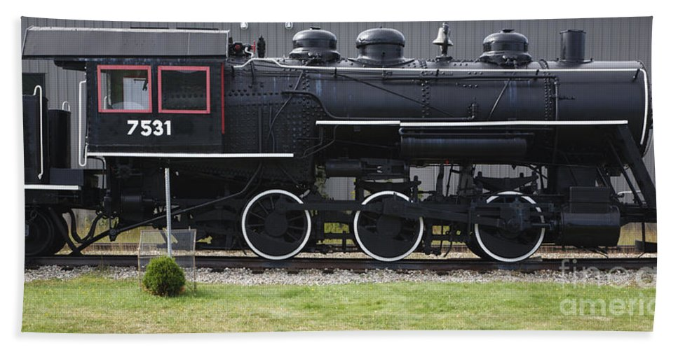 Travel Beach Towel featuring the photograph Baldwin 0-6-0 Steam Locomotive - Gorham New Hampshire by Erin Paul Donovan