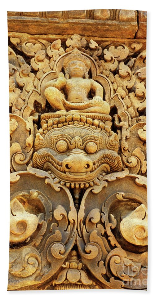 Banteay Beach Towel featuring the photograph Banteay Srei Carving 01 by Rick Piper Photography