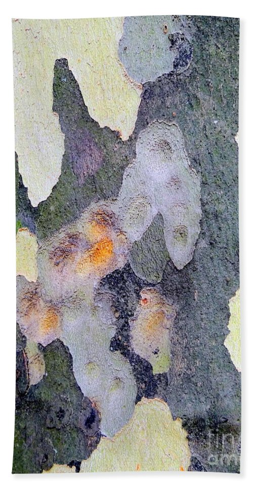 Nature Beach Towel featuring the photograph Bark Beauty by Ed Weidman
