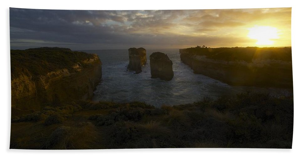 Australia Beach Towel featuring the photograph Bay Of Islands #5 by Stuart Litoff