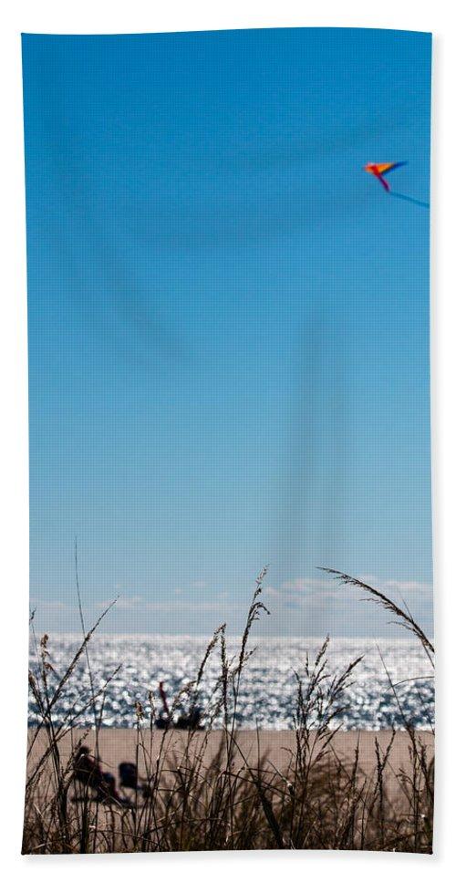 Kite Beach Towel featuring the photograph Beach by Gaurav Singh